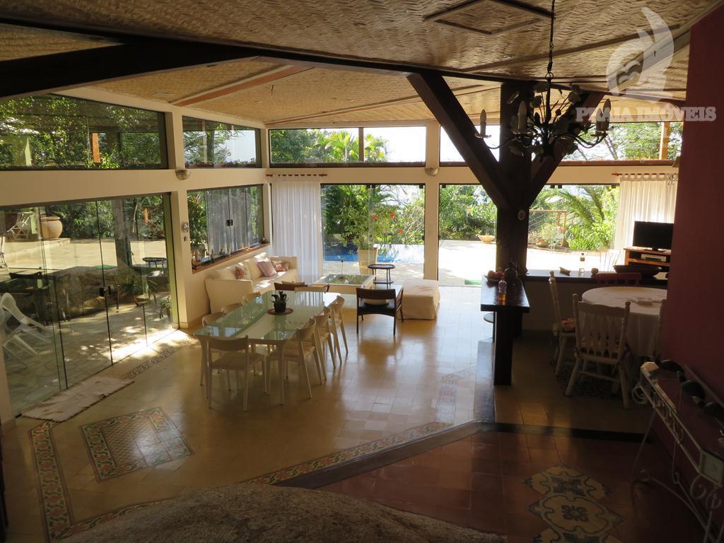 Bela casa integrada a natureza em condominio fechado!! ACEITA PERMUTA POR IMÓVEL EM SÃO  PAULO!!!