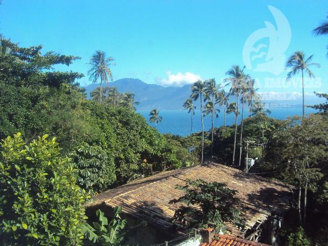casa em ótima localização!! região norte da ilha, fica há aproximadamente 500 metros da praia, vista...