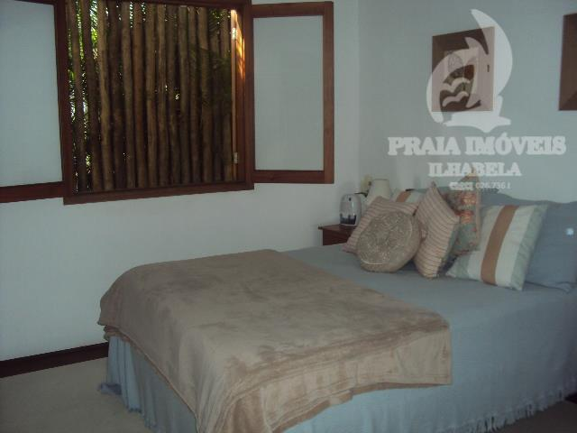 linda casa em local privilegiado , condomínio com total segurança e tranquilidade, com pier e piscina...