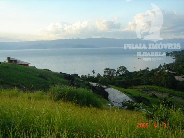 Belíssimo terreno em condomínio no Norte da ilha com vista total para o mar.