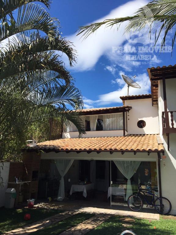 casa em rua tranquila, sem saída, ótima localização, acesso por duas ruas, jardim, churrasqueira, cozinha ampla...