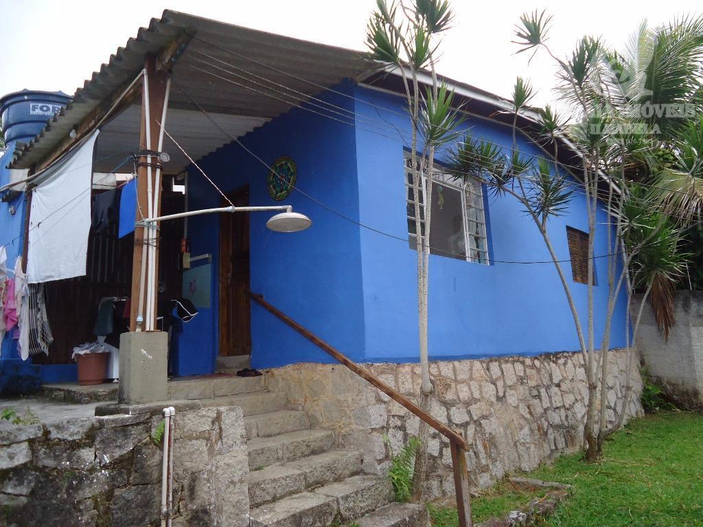 casa muito bem situada próxima a praia do julião.