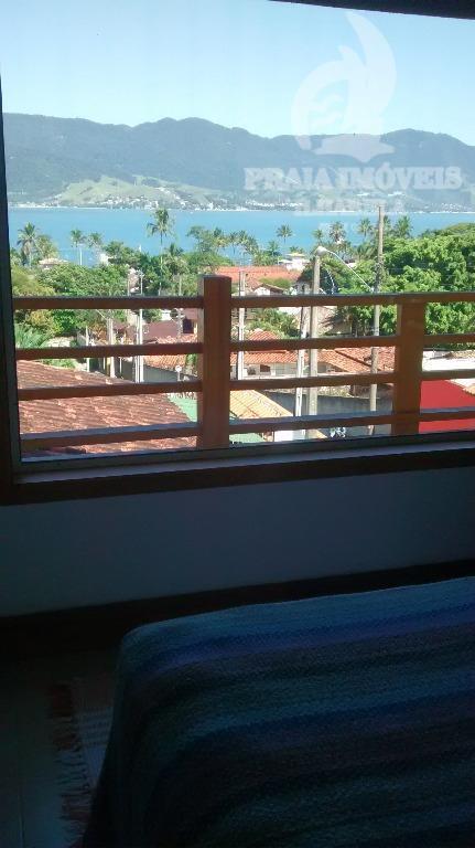 Linda casa com vista para o mar e próxima a praia!!