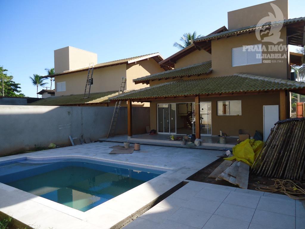 Casa nova no Pereque com piscina