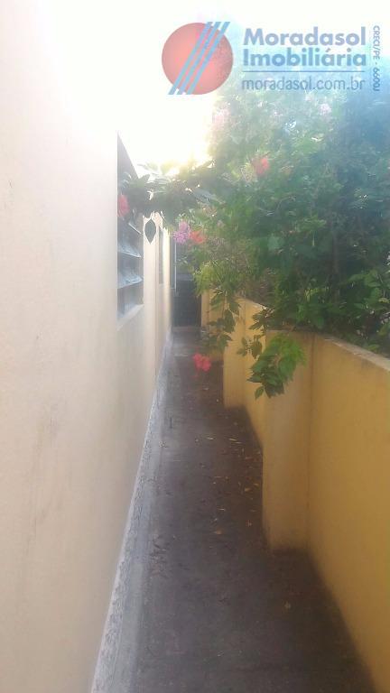 excelente casa para fins comerciais toda gradeada com 2 terraços, 2 salas, 3 quartos, wc, cozinha,...