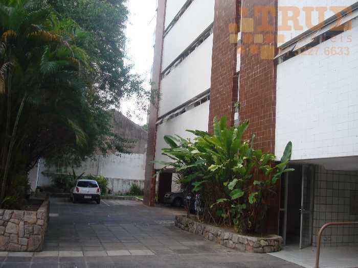 Edf. Saquarema. Cobertura duplex mobiliada com 204m2, 4 quartos, 2 suites e 2 vagas, 992827810 (whattsapp)
