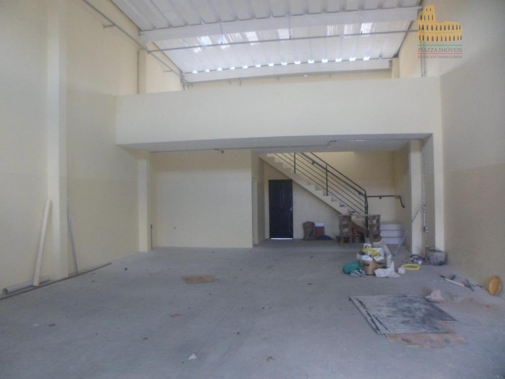 barracão novo com 2 banheiros, mezanino e lavanderia