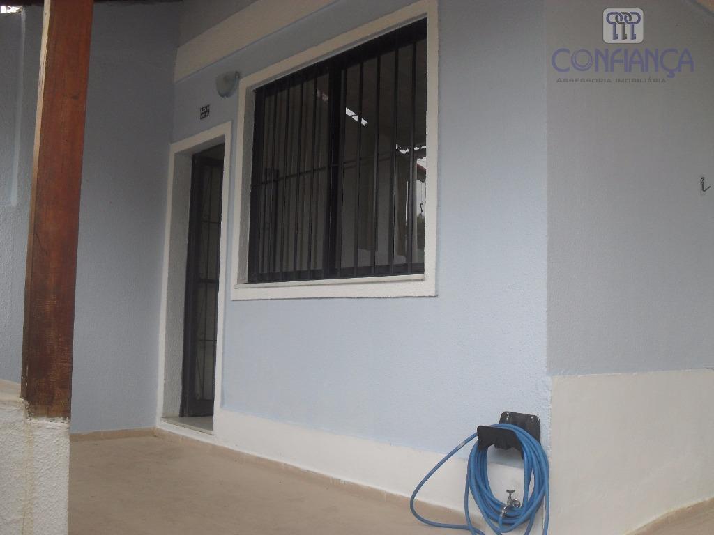 Casa com 3 dormitórios para alugar, 135 m² por R$ 1.200/mês - Campo Grande - Rio de Janeiro/RJ