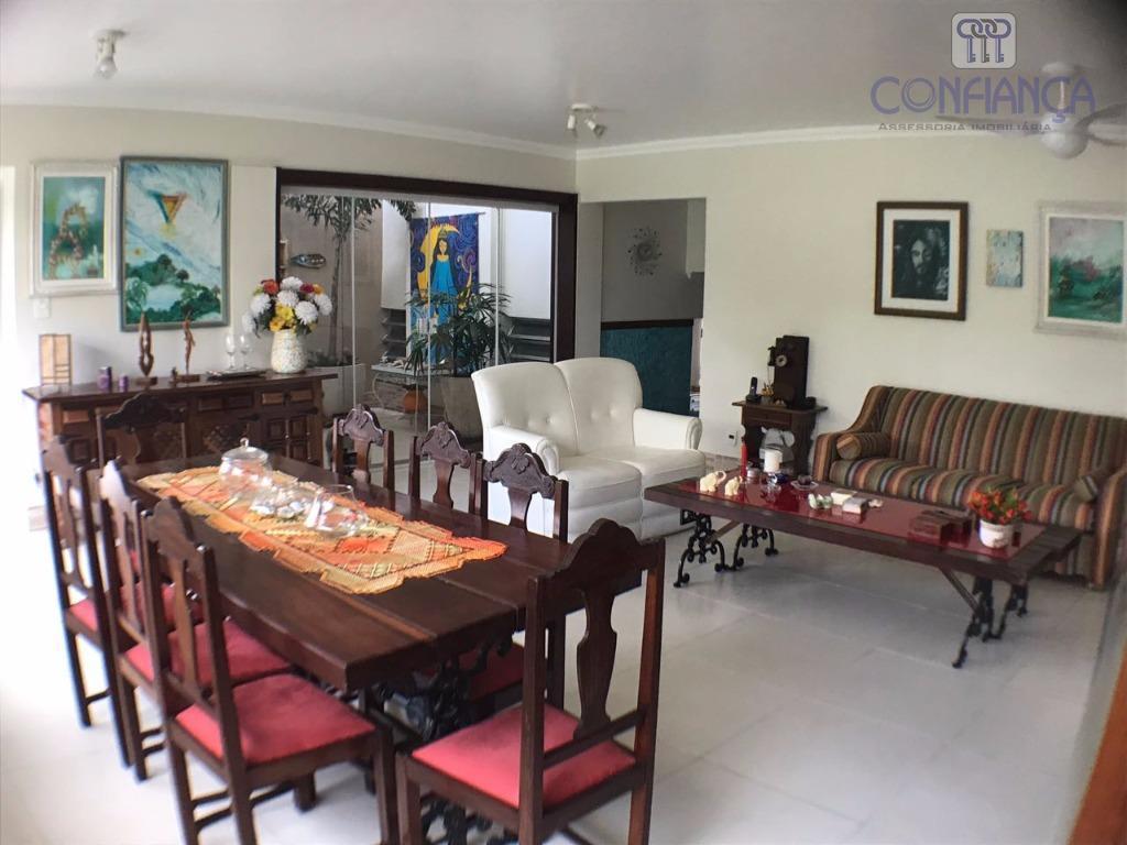 magnifica casa em condomínio de alto padrão, com toda infraestrutura á cinco minutos do centro de...