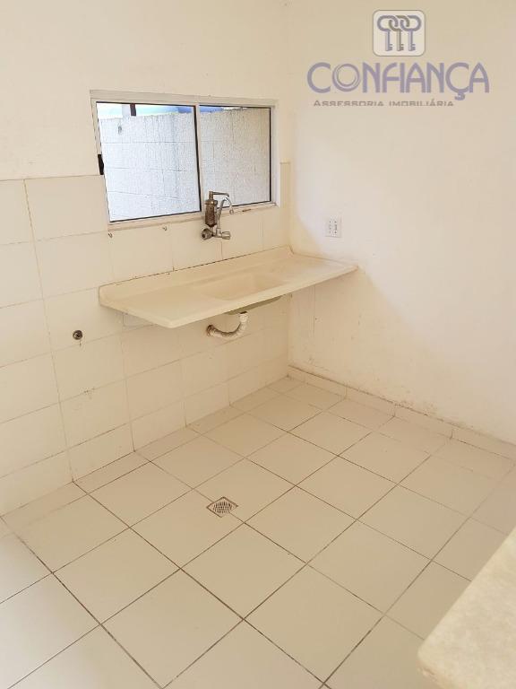 ótima casa duplex de dois quartos, sala, cozinha, banheiro social, área de serviço e vaga de...