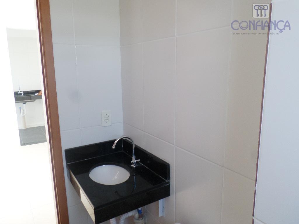apartamento sala, 2 quartos, cozinha e banheiro social, ótima localização próximo ao centro de campo grande...