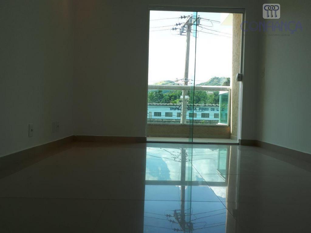 excelente casa em boa localização, composta de 3 quartos sendo um suite, sala, cozinha, banheiro, areá...