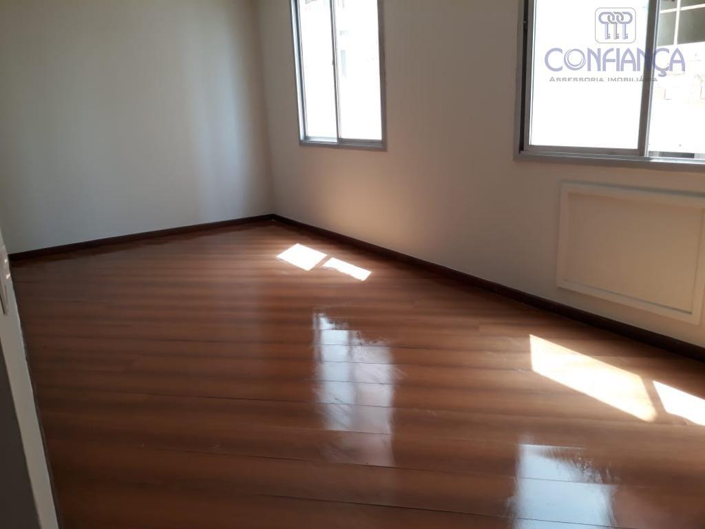 amplo apartamento , sala, 2 quartos, cozinha ,banheiro, com dependência completa , ótima localização . prédio...