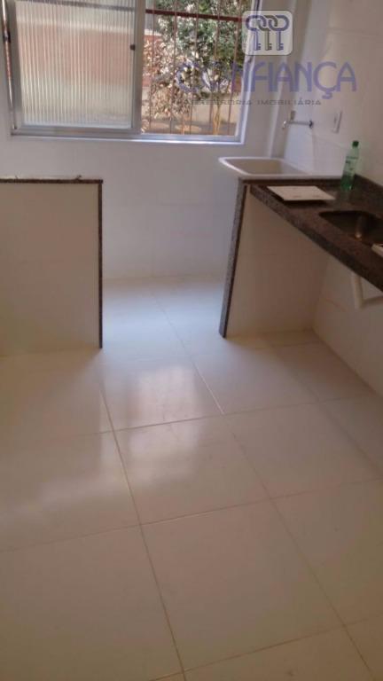 Apartamento com 2 dormitórios à venda, 52 m² por R$ 150.000 - Pechincha - Rio de Janeiro/RJ