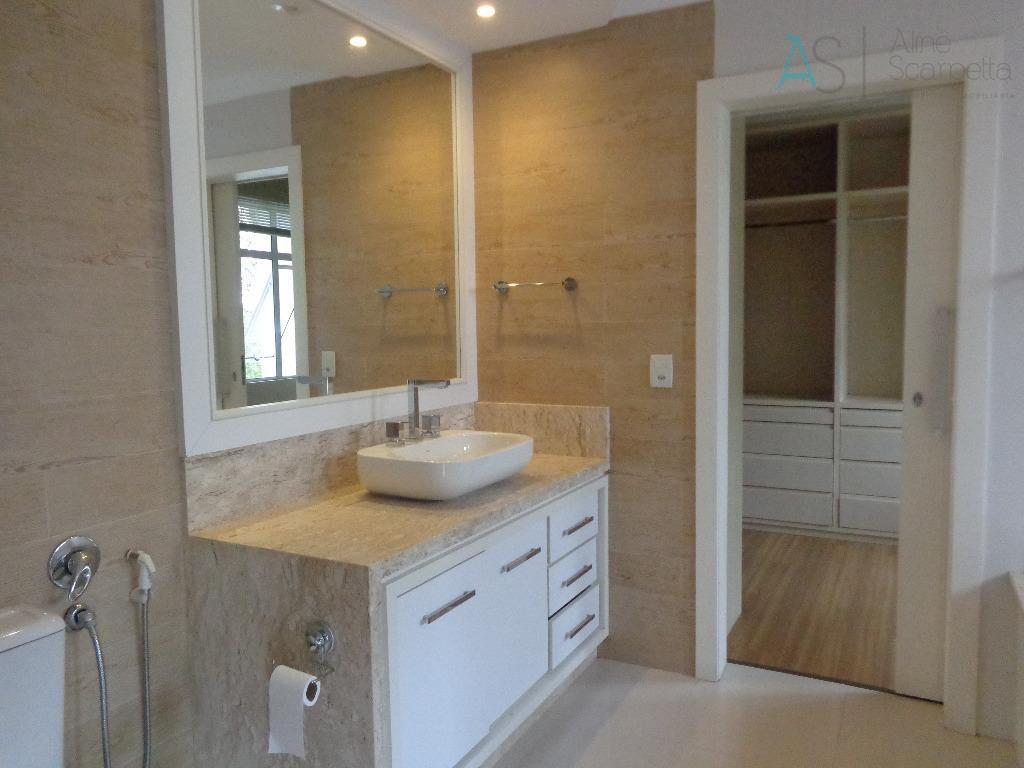 lindo sobrado, estilo americana, em condomínio fechado, localizado no bairro jardim social.possui ar condicionado (sala e...