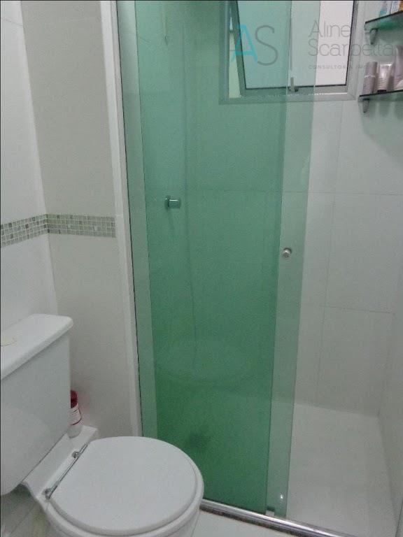Apartamento com 3 dormitórios à venda, 63 m² por R$ 169.000