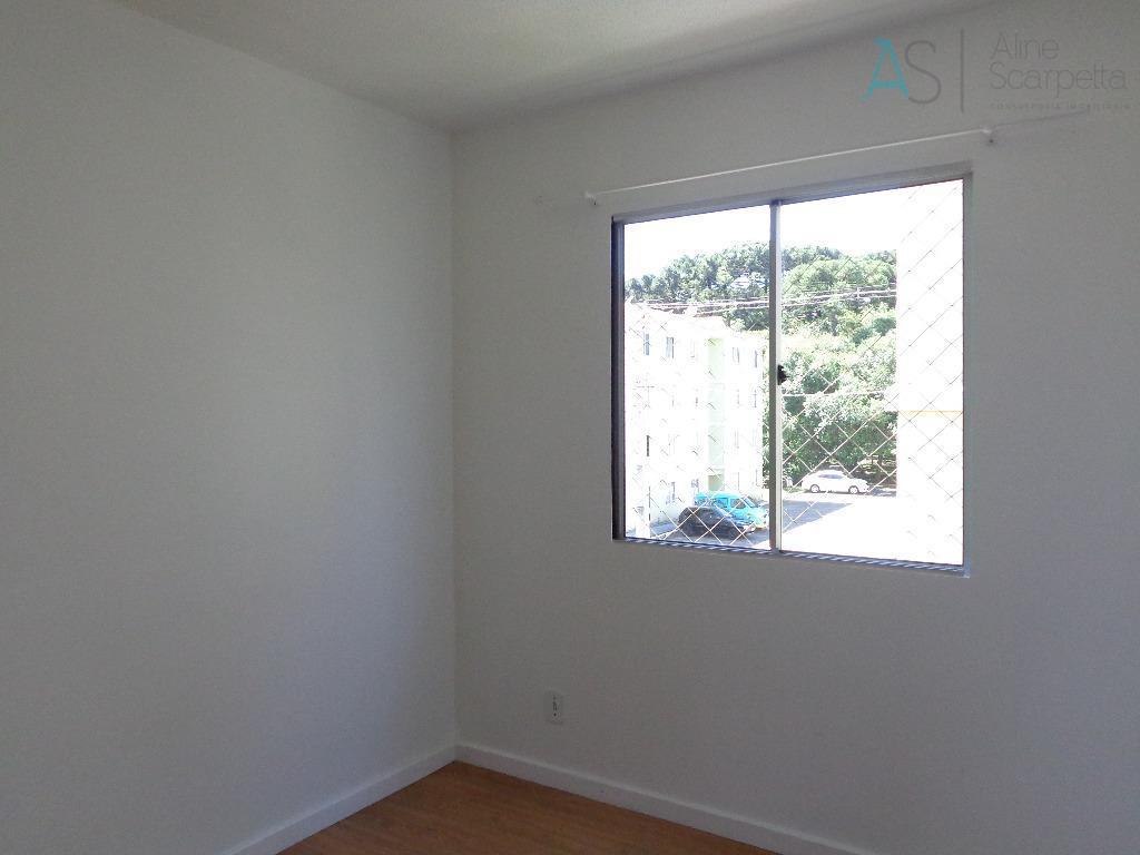 excelente apartamento em condomínio fechado, bosque particular do condomínio e vista para a cidade.apartamento moderno, com...