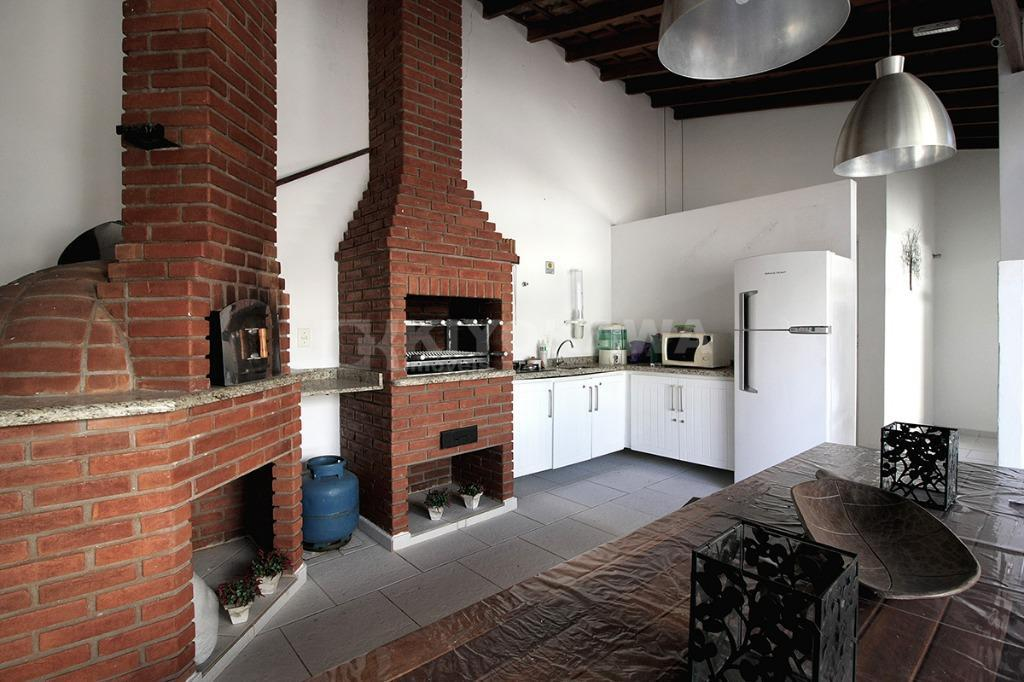 ref. 8149 - apartamento em ótimo local na vila lavínia, totalmente reformado, com 2 dormitórios (1...