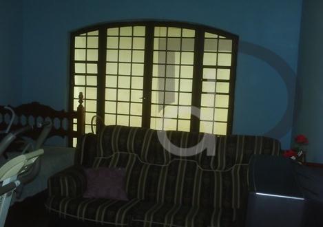sala de estar, de tv, de jantar, varanda, 3 dormitório, 1 suítes com armários, banheiro social,...
