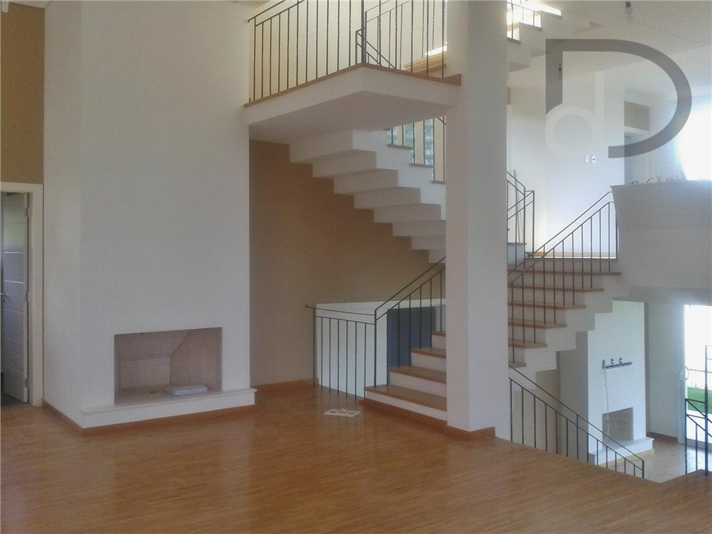 linda casa no condomínio jardim primavera com 3 suítes com varanda, sendo 1 com closet e...
