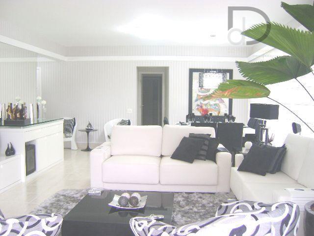 apartamento pé na areia, planta com 03 suítes, cozinha estilo americana, sala para vários ambientes, lavabo,...