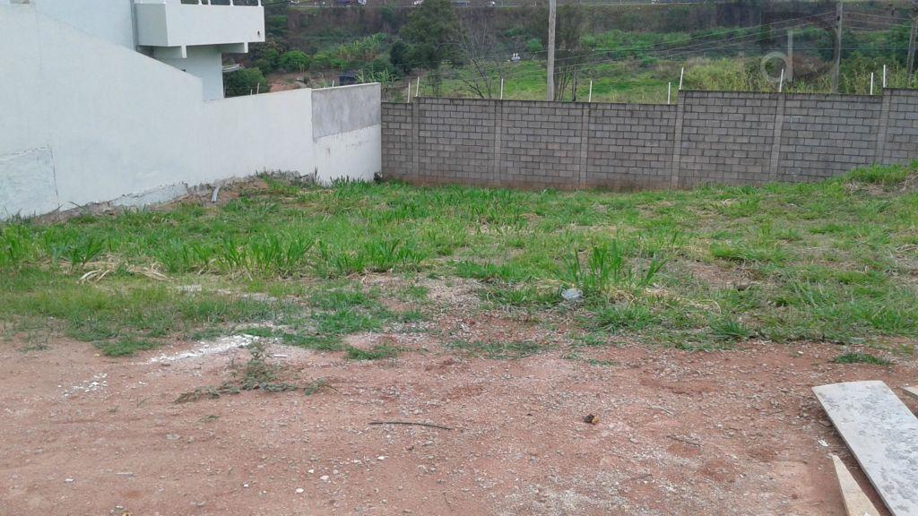 lindo terreno em condomínio fechado, excelente localização, de fácil acesso as principais rodovias da cidade.
