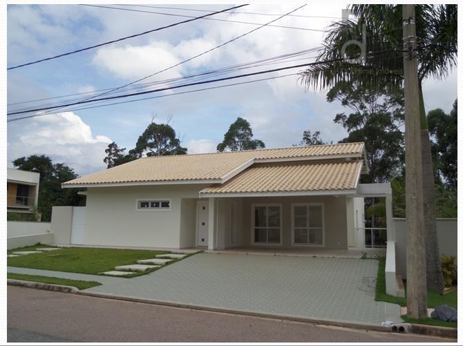 Excelente Casa Térrea em Condomínio de Altíssimo Padrão!!!