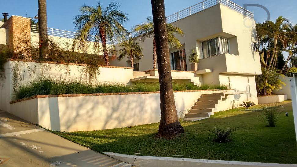 Linda casa térrea no Condomínio Vista Alegre Sede, em Vinhedo.