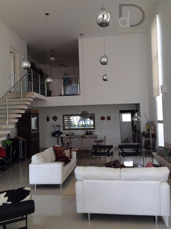 casa alto padrão no condomínio reserva da serra, estilo moderno, bem decorada, arquiteta premiada da casa...