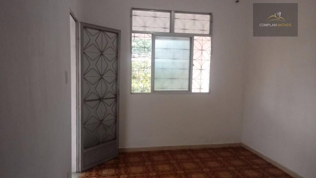 locação - ótima casa localizada no bairro jardim carioca, ilha do governador, composta de sala, varandão,...