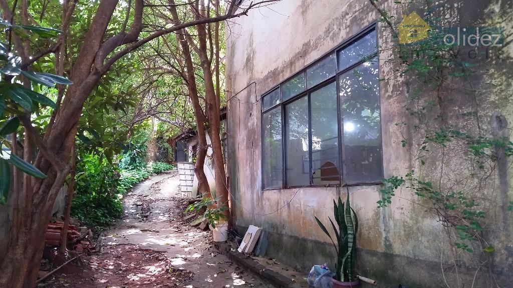 Terreno com sobrado inacabado  à venda, Freguesia - Amadeu de Queiroz