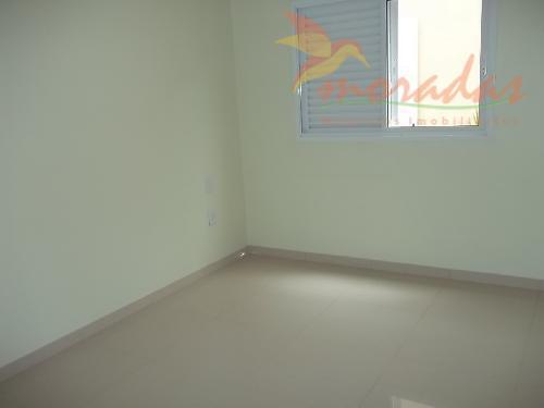 linda casa, com 3 quartos sendo uma suíte master com closet e hidro, sala ampla, cozinha...