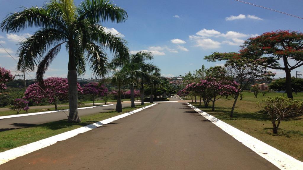 lindo terreno, fase 1, topografia perfeita, localização ideal para você realizar seu sonho. pronto para construir,...