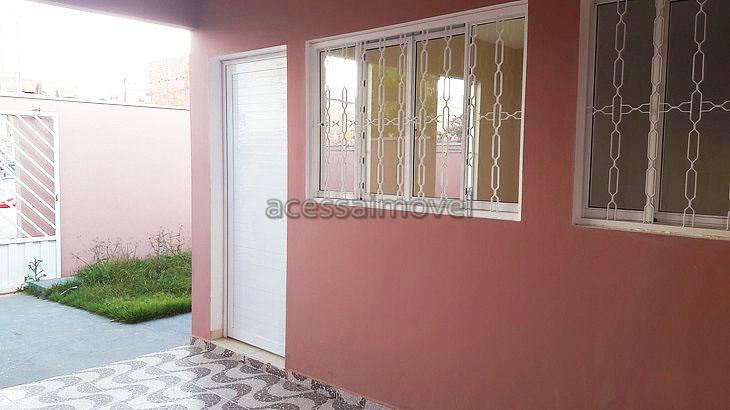 linda casa no residencial água branca para locação com 2 dormitórios sendo 1 suíte, em uma...