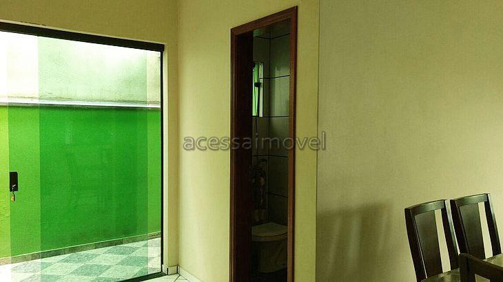 ótima casa residencial, ampla com 3 dormitório sendo 1 suite, muito aconchegante em rua tranquila, excelente...