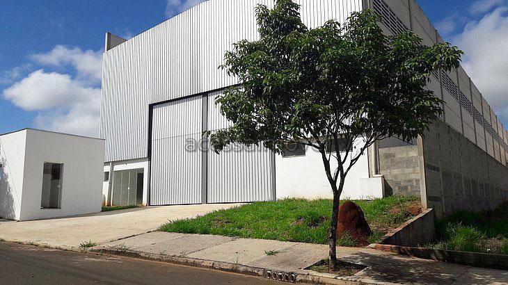 Galpão industrial duplo para locação, Centro Empresarial Castelo Branco, Boituva.