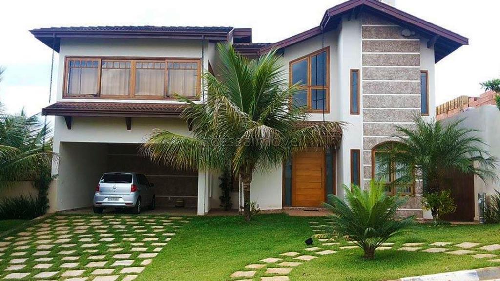 Casa grande no Flora Ville, 2 terrenos.