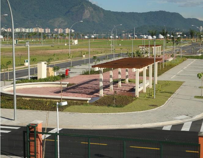 condomínio alphaville - lote residencial com 908 m2 de área total, esquina, localizado em condomínio de...