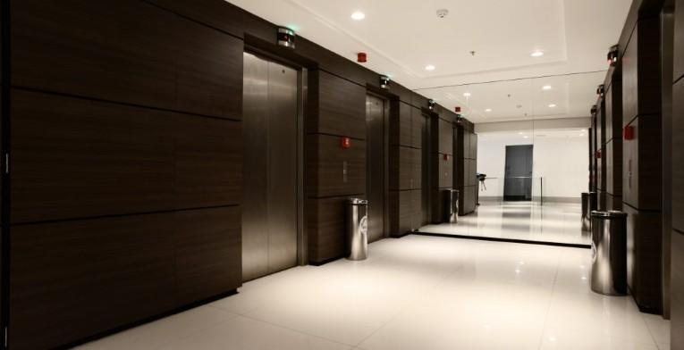 botafogo trade center - andar comercial com 605 m2, entregue com piso elevado modular, forro modular,...