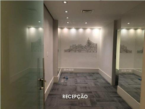 av. ataulfo de paiva - andar comercial com 150m2, recepção, 4 salas, 3 banheiros, copa, ar...