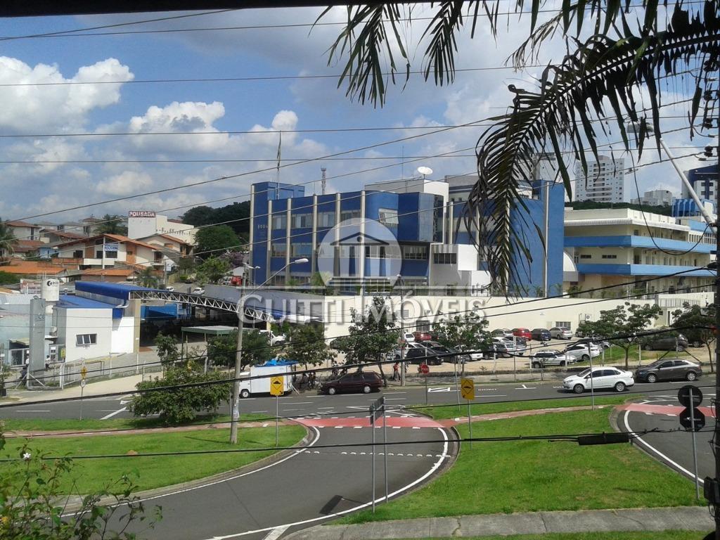 Casa comercial, Jardim Faculdade, Sorocaba. Esquina Av Artur Fonseca e SESC