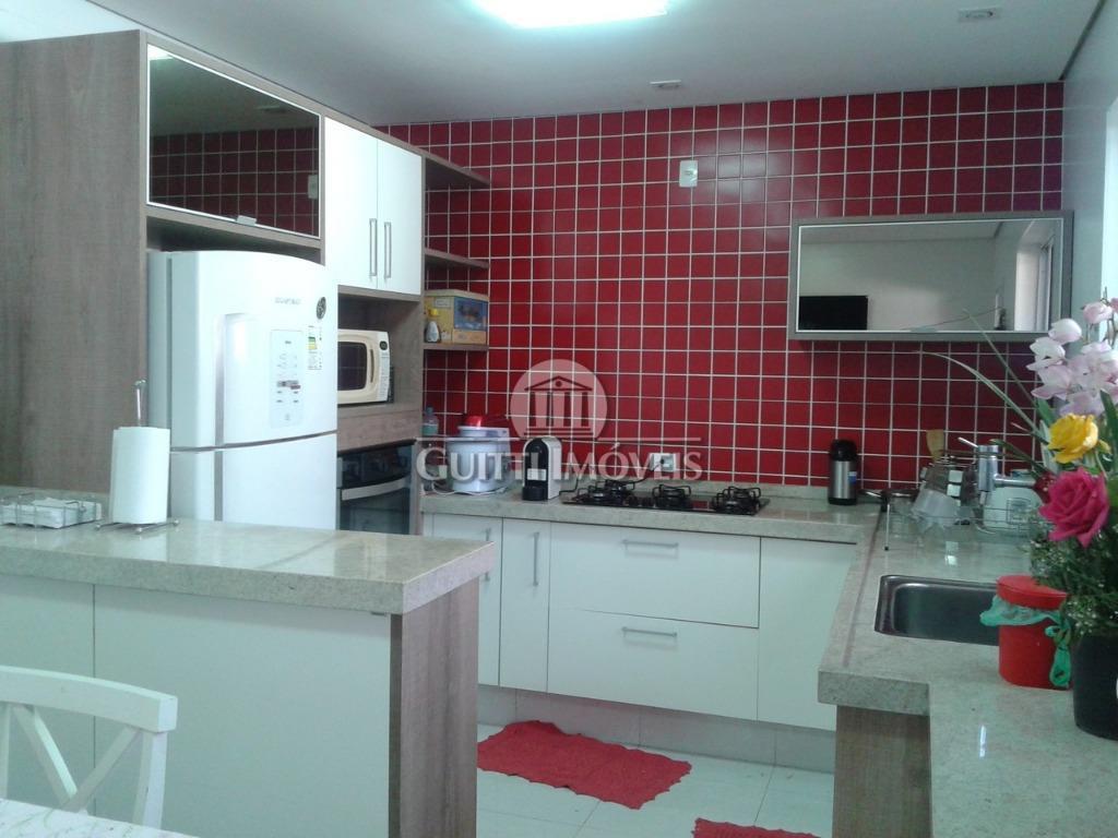 casa reformada com 3 suítes, sala 3 ambientes, piscina, churrasqueira, aquecedor à gás.casa assobradada com garagem...