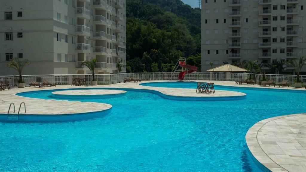 Apartamento de 2 dormitórios em Marapé, Santos - SP