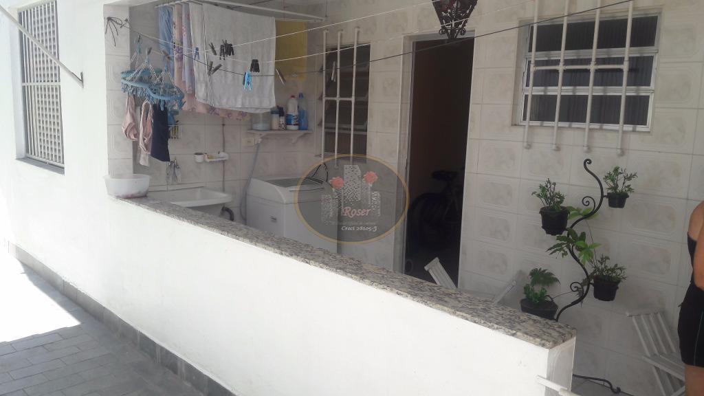 Casa de 3 dormitórios em Boqueirão, Santos - SP