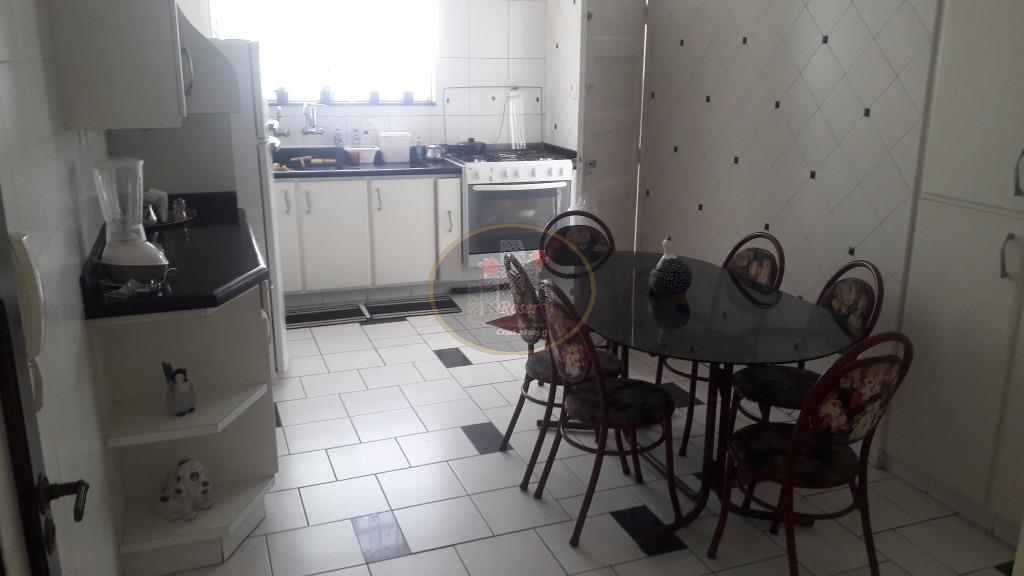 Casa de 3 dormitórios à venda em Boqueirão, Santos - SP
