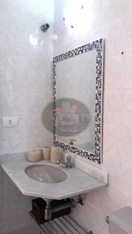 Apartamento de 2 dormitórios à venda em Jardim Las Palmas, Guarujá - SP