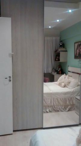 Apartamento de 3 dormitórios em Encruzilhada, Santos - SP