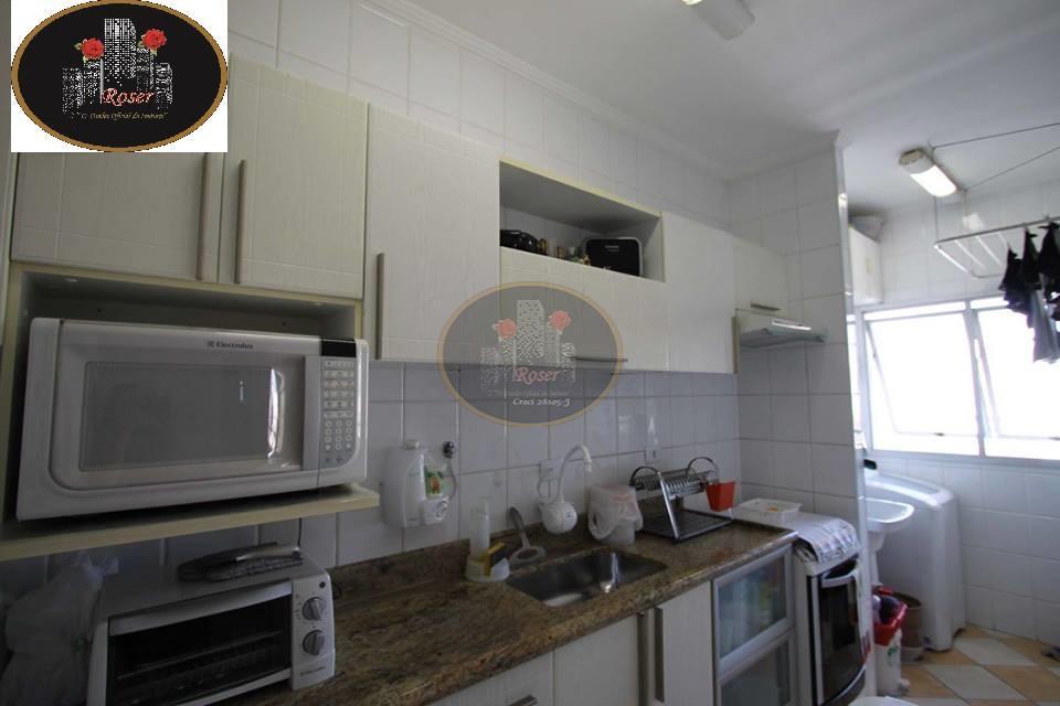 Apartamento de 2 dormitórios à venda em Encruzilhada, Santos - SP