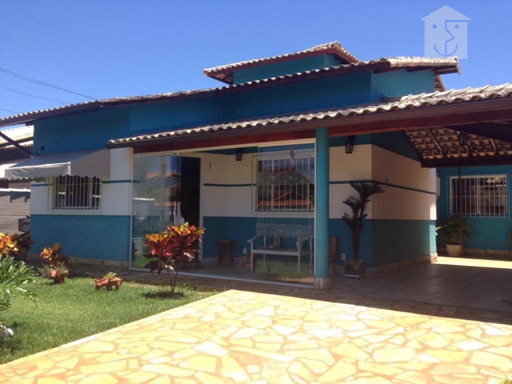 Linda casa residencial em condomínio fechado no centro de Maricá.