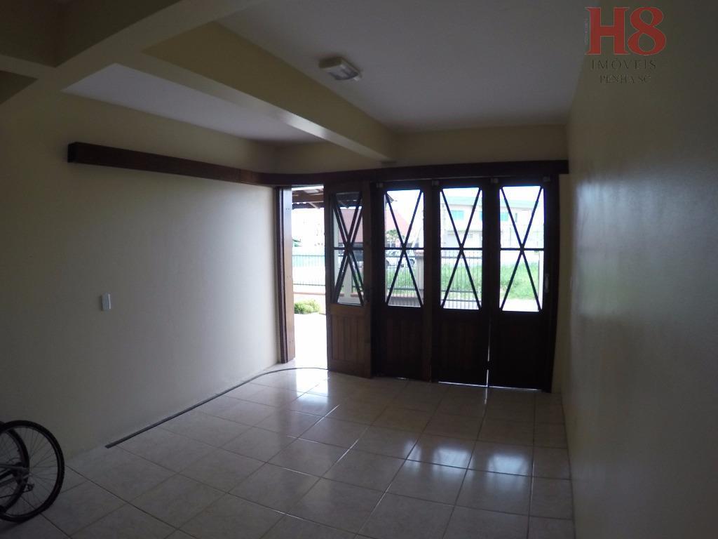 ótima casa de ocasião, construída com todo capricho e acabamento de muito bom gosto. sempre muito...